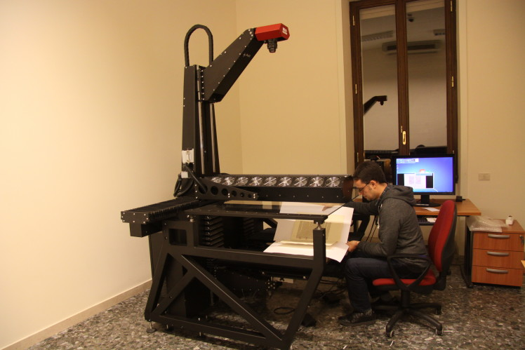 I manoscritti antichi e rari hanno bisogno di particolari cure per la digitalizzazione.